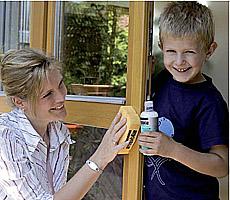 Рекомендации по уходу за деревянными окнами