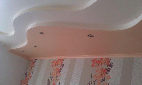 Делаем потолки в помещении ниже