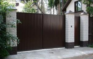 Установка ворот на собственном участке